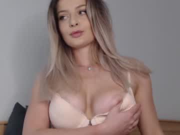 _White_Fox's Cam sex video